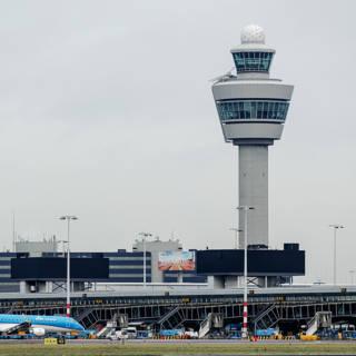 Bekijk details van Vliegverkeer Schiphol na storing weer op gang, maar nog wel vertragingen