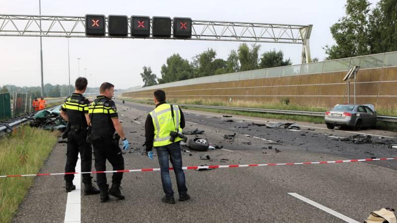 Twee doden door zwaar ongeval op A16 bij Breda richting Antwerpen.