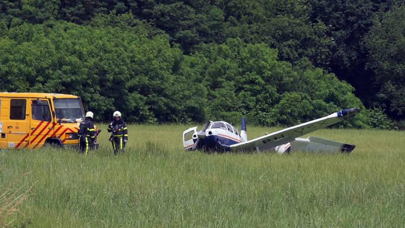 Piloot gewond bij ongeluk met sportvliegtuigje Breda.