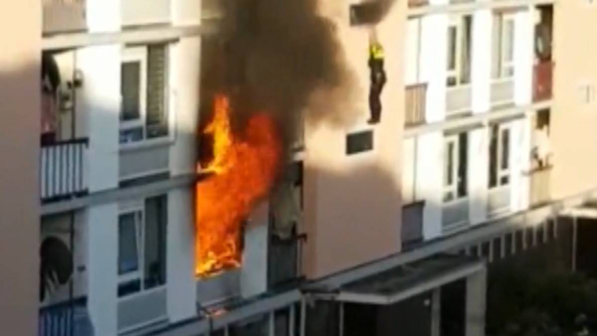 Dode bij brand in woning Utrecht, agent zwaargewond