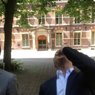 Bekijk details van Vraag Den Haag: Kamerverbouwing duurt twee keer zo lang en nieuwe naam CU