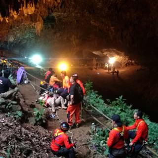 Bekijk details van Zoektocht naar vermiste voetballertjes en coach in Thaise grot