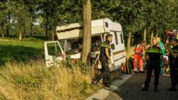 Vijf jongeren gewond in Deurne bij frontale botsing met camper.