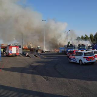Bekijk details van Matrassen en afval in brand in Rotterdamse haven
