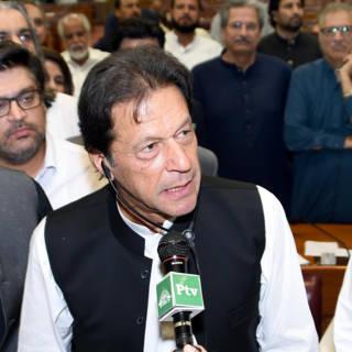 Bekijk details van Nieuwe premier van Pakistan biedt gekleineerde Pashtuns (een beetje) hoop