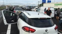 Verkeershinder op A4 bij Hoofddorp richting Den Haag na ongeval.