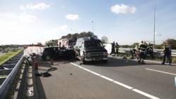 Twee doden en drie zwaargewonden bij ongeluk A200.