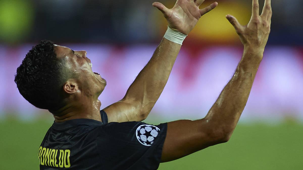 Juve wint ondanks rode kaart Ronaldo, Pogba helpt United op weg