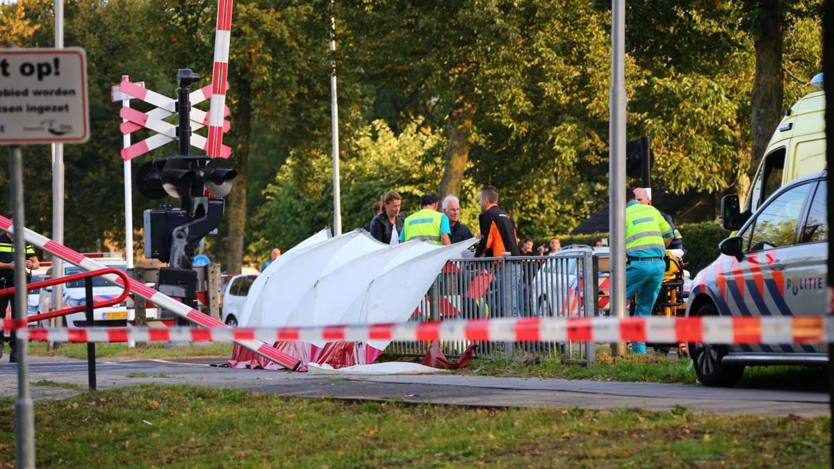 Vier kinderen omgekomen bij bakfietsongeluk op het spoor in Oss