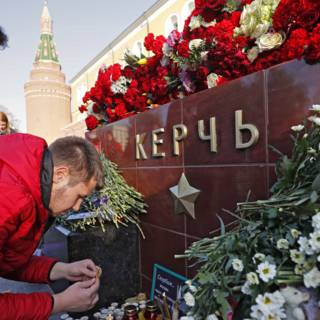 Bekijk details van Politie zoekt op de Krim naar medeplichtigen aanslag school