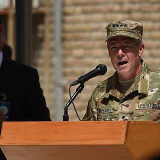 Bekijk details van Amerikaanse topgeneraal overleeft aanslag