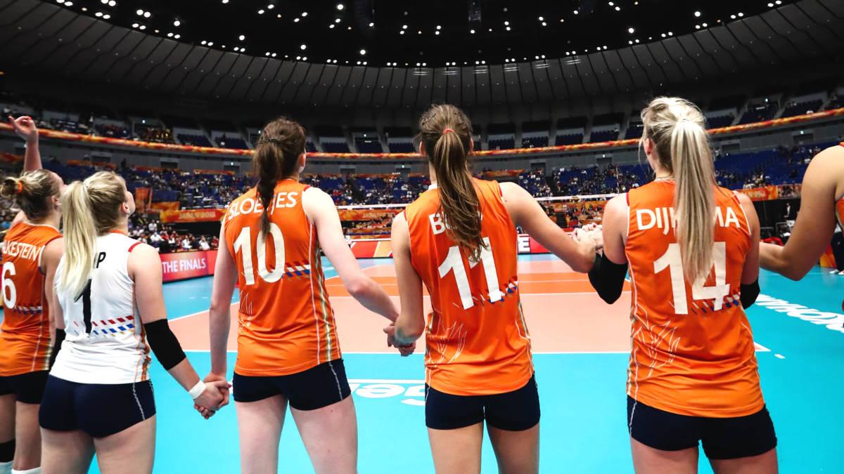 WK-droom volleybalvrouwen voorbij: nederlaag in halve finale