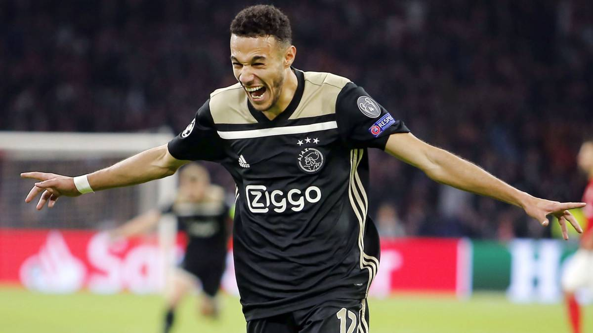 Mazraoui bezorgt Ajax zege in Champions League: 'Mama, I love you'