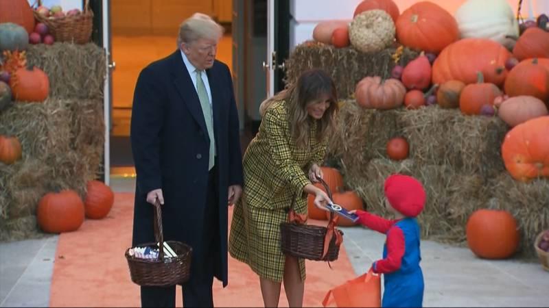 Kinderen Halloween.Kinderen Vieren Halloween In De Tuin Van Trump Nos