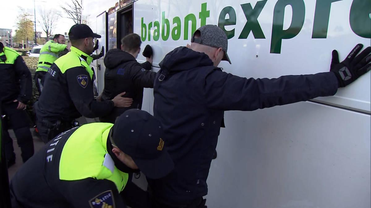 Tientallen pro-Zwarte Pietdemonstranten aangehouden in Tilburg