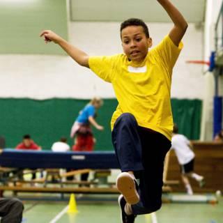 Bekijk details van SP: op basisschool drie uur gym per week door vakdocent