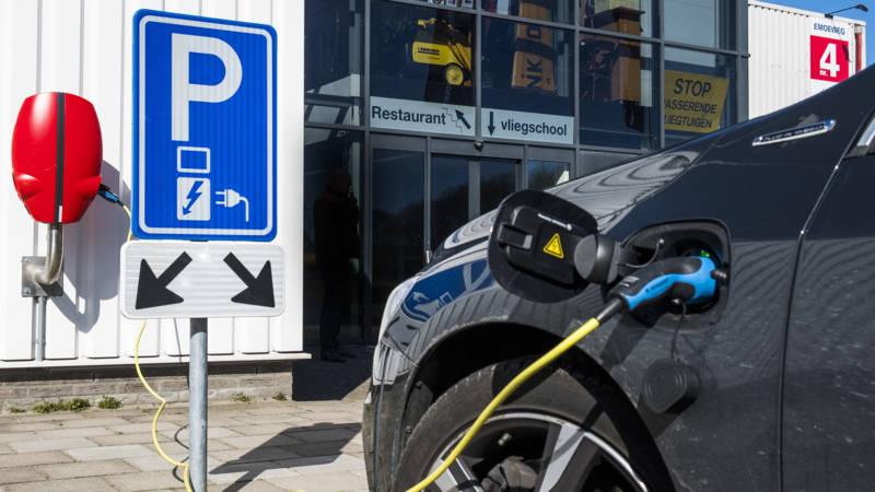 Iedereen Aan De Elektrische Auto 6000 Euro Subsidie In 2021 Nos