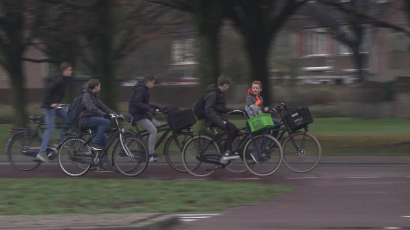Verkeer moet veiliger, is vierkant fietspad bij rotonde een oplossing?