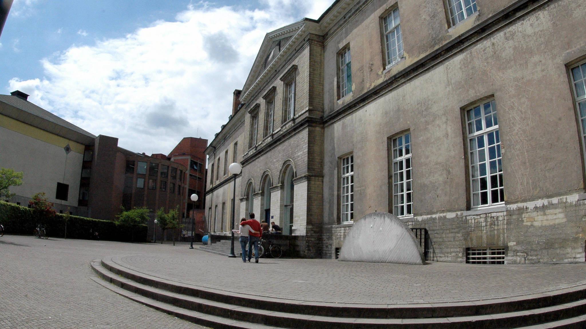 student uit Leuven post aansluiting onhandigheid
