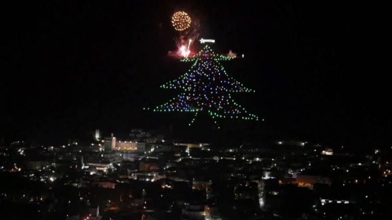 Deze Kerstboom Van Lichtjes Is 750 Meter Lang Nos Jeugdjournaal