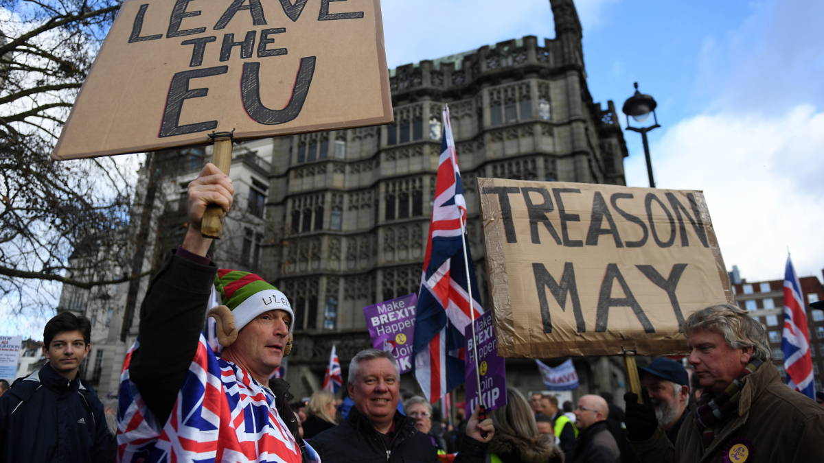 Spoedoverleg Brits kabinet, speculaties over uitstel brexit-stemming