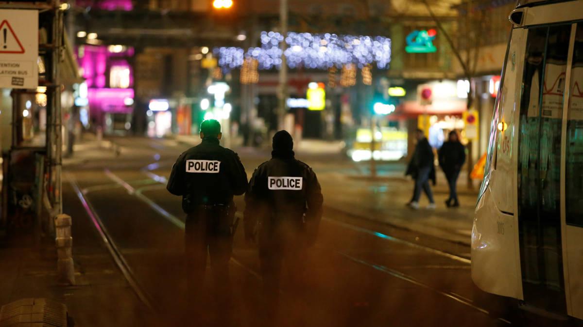 Man opent vuur op straat in Straatsburg: 2 doden en 11 gewonden