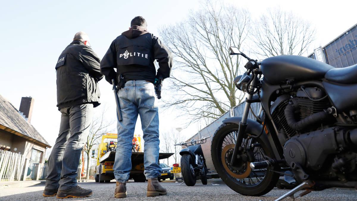 Schiet op met direct verbod op criminele motorbendes, waarschuwt politie