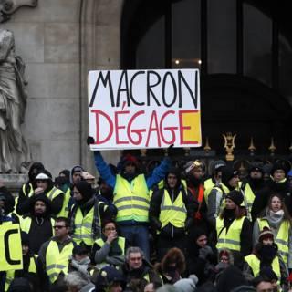 Bekijk details van Protest gele hesjes is strijd van 'gewone' Fransman tegen 'elitaire' Macron