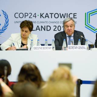 Bekijk details van Toch resultaat na moeizame onderhandelingen op Poolse klimaattop