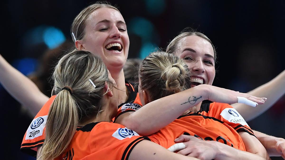 Na vele tegenslagen verovert sterk Oranje brons op EK handbal