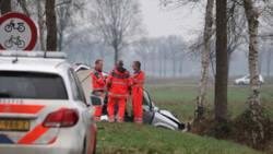 Doden en gewonden bij auto-ongeluk in Oosterwolde.