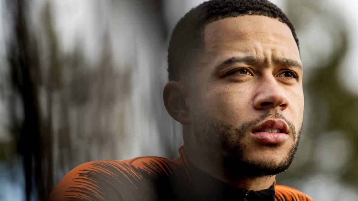 Depay ergert zich aan reserverol bij Lyon: 'Oranje komt op goed moment'
