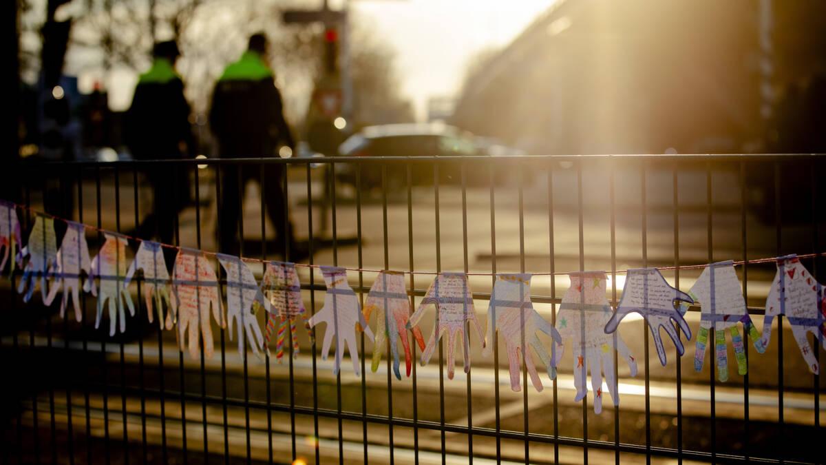 Nepwapens verboden op stripheldenbeurs Utrecht, Zweedse koningshuis stuurt condoleance
