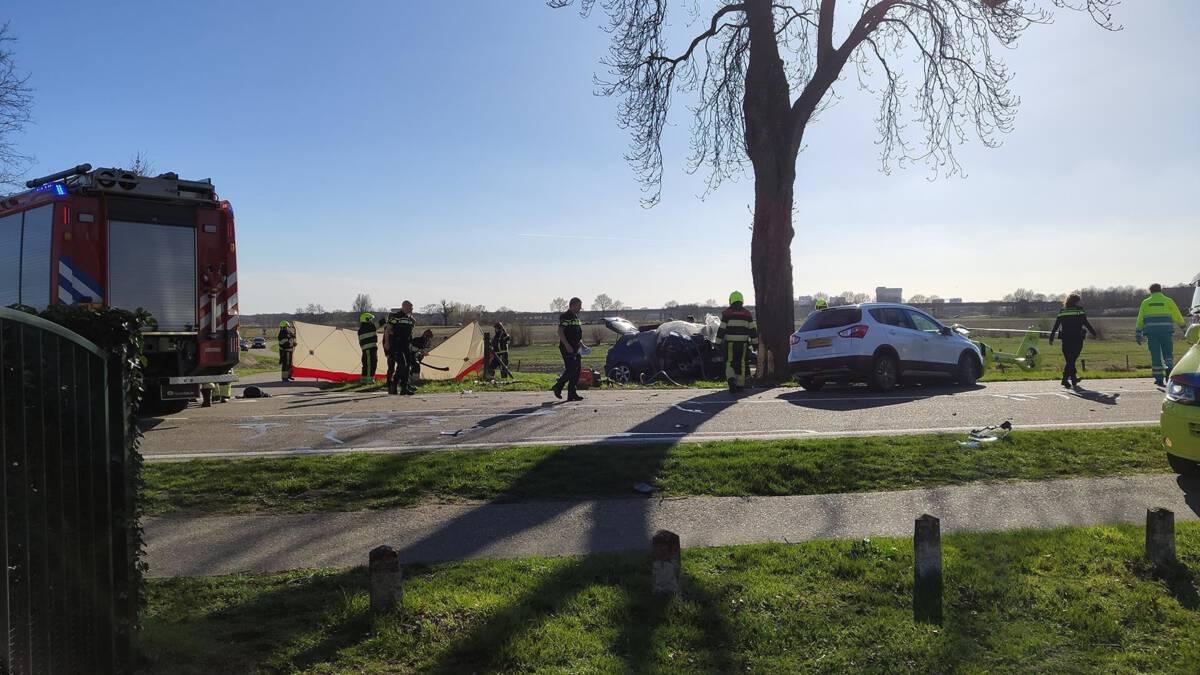 Drie doden bij auto-ongeluk in Well