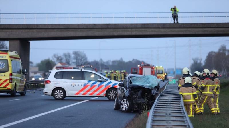 Spookrijder veroorzaakt zwaar ongeluk bij Wehl, dode en gewonde.