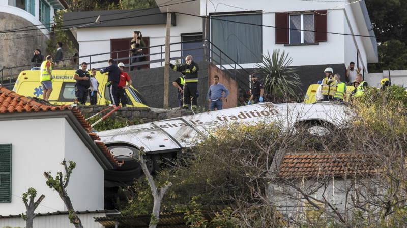 29 doden bij ongeluk met toeristenbus op Portugese eiland Madeira.