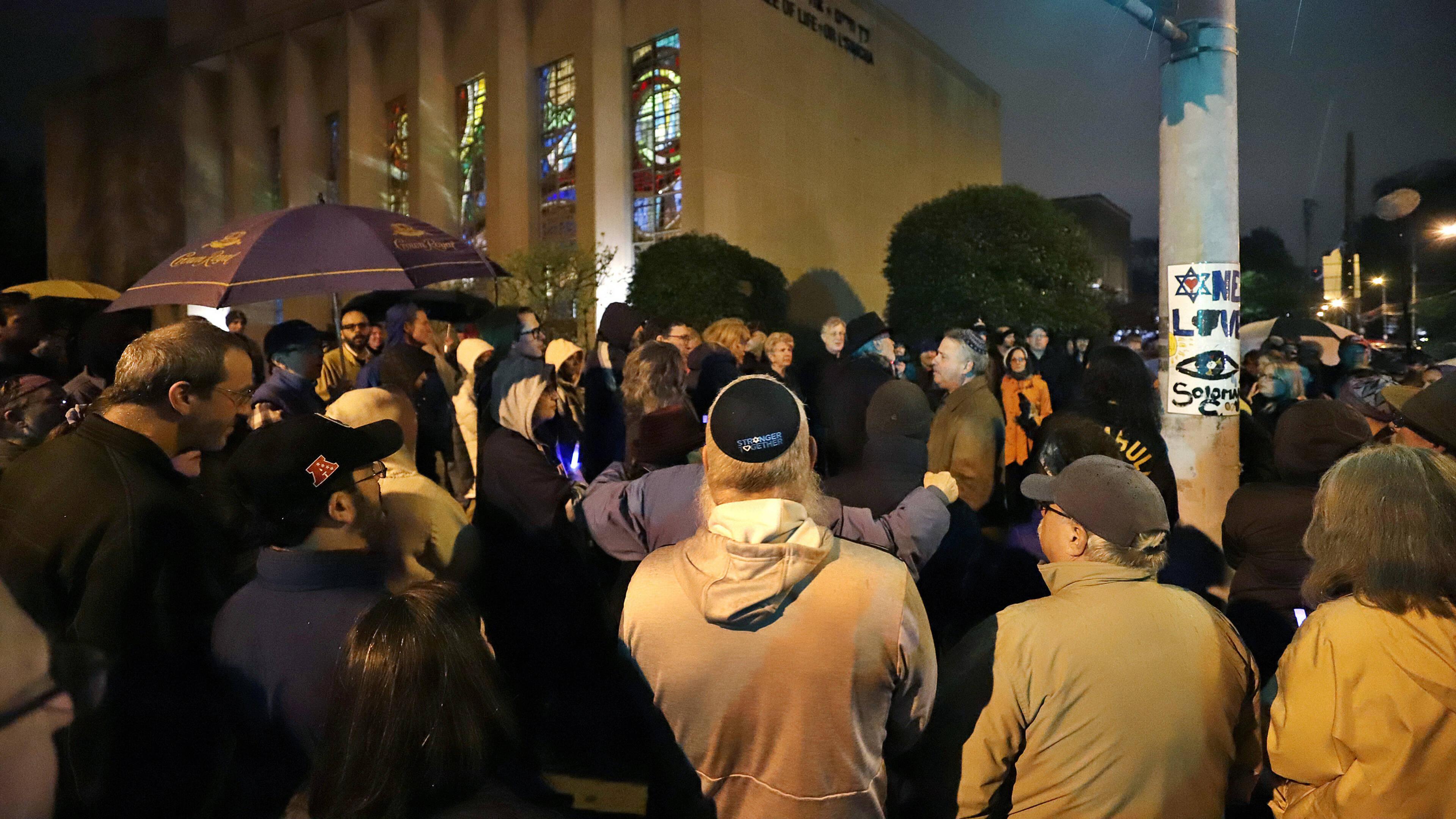 Citaten Uit De Aanslag : Dode en gewonden bij aanslag op synagoge californië nos