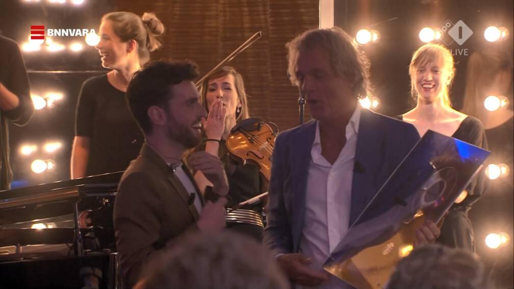 Bekijk details van Dubbel platina voor 'Arcade' van Songfestivalwinnaar Duncan Laurence