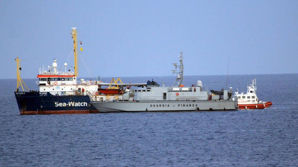 Bekijk details van Italië laat door Sea-Watch geredde migranten alsnog toe tot haven