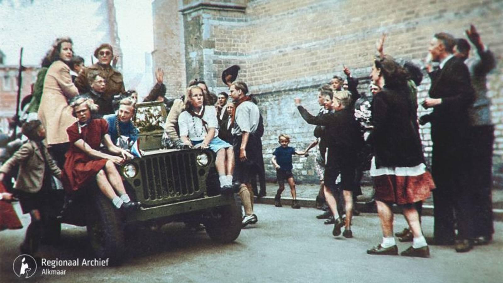 Canadian soldiers welcomed in Alkmaar city in the Netherlands in May 1945, regional archive Alkmaar photo