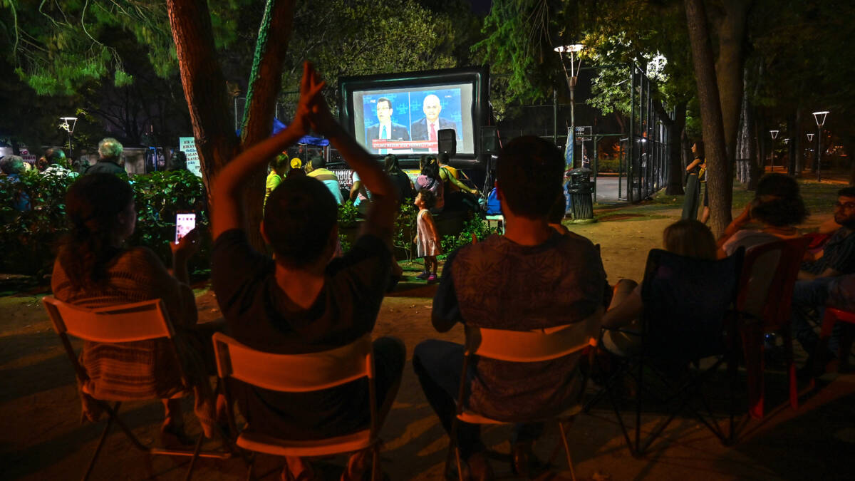 Kandidaten'historisch' Turkstv-debat wat onwennig, maar 'dat is niet gek'