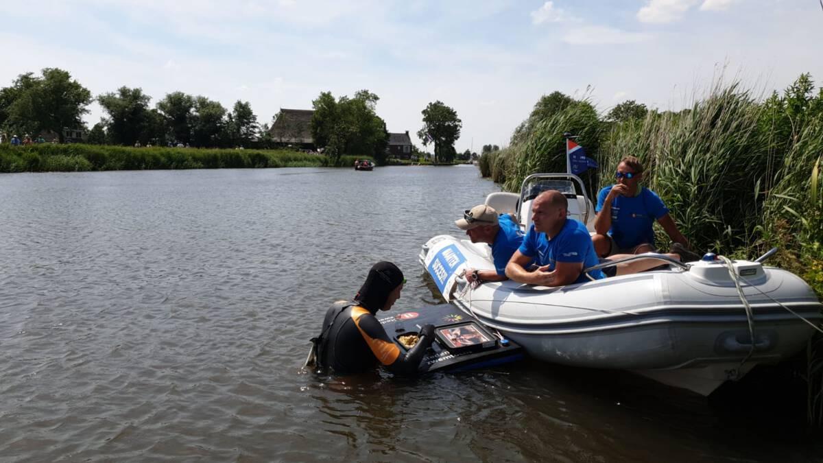Elfstedenzwemtocht: 2,7 miljoen euro opgehaald en een eetpauze