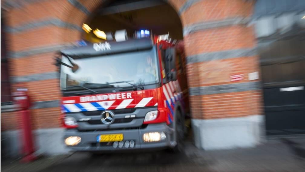 Bekijk details van Brand op dak Hogeschool Rotterdam, gebouw ontruimd