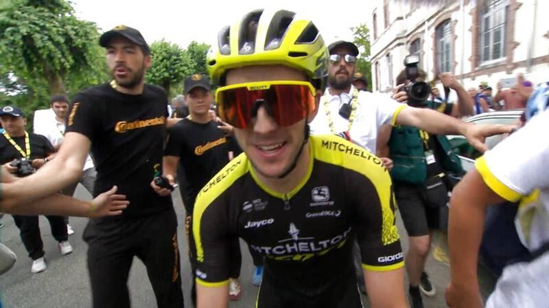 Simon Yates heeft na etappezeges in Giro en Vuelta nu ook Tourrit binnen
