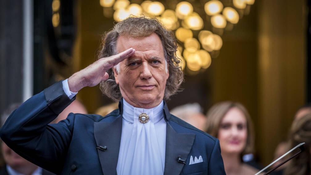 Bekijk details van André Rieu geëerd bij jubileumconcert in Maastricht