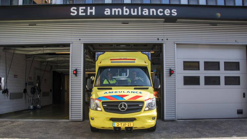 Vrouw overleden bij bootongeluk Dordrecht, dochter gewond.