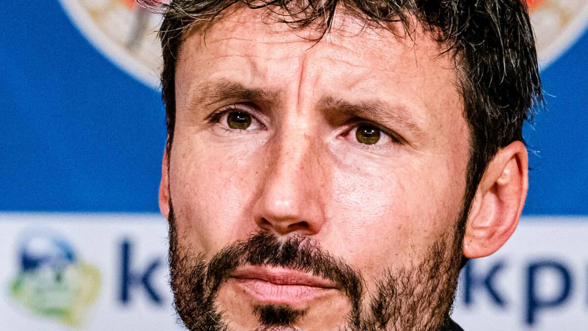 PSV-trainer Van Bommel waakt voor arrogantie tegen Apollon