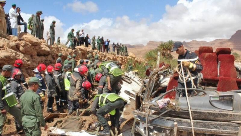 Elf doden bij busongeluk Marokko na overstroming.