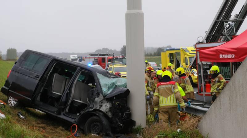 Doden bij eenzijdig ongeluk op A73 in Noord-Limburg.