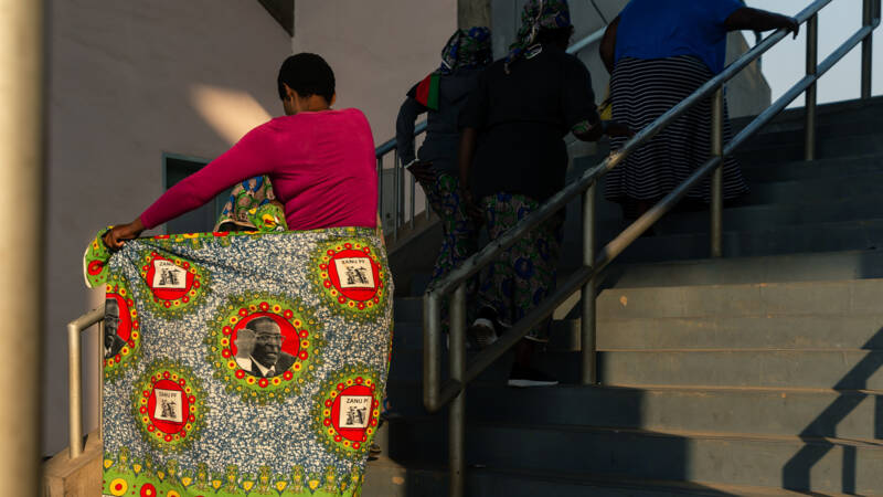 Afrikaanse leiders nemen in Harare afscheid van Mugabe